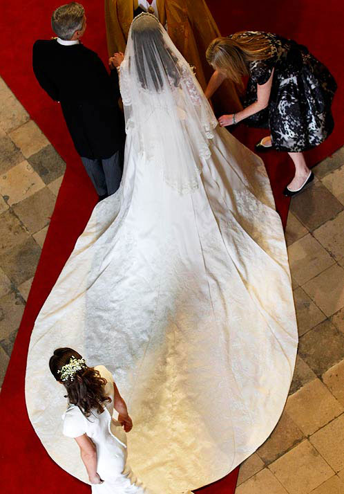 Королевская свадьба платье кейт