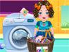 Дарья стирает одежду