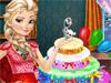 Эльза готовит торт